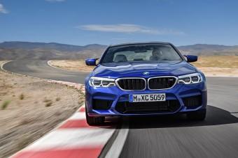 5 tény bizonyítja, hogy a BMW M5-ös motorja nagy szám