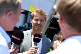 F1: Rosberg aggódik Hamilton miatt