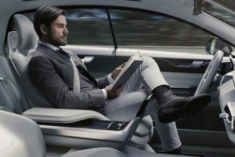 Ezért akarnak az emberek önvezető autókat