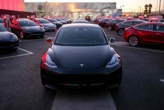 Megtorpant a Tesla lendülete