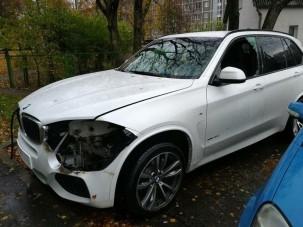 Ennek a BMW-nek szó szerint kilopták a szemét