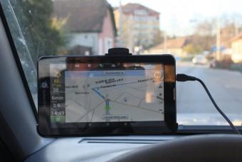 Van élet a mobiltelefonos navigáción kívül?