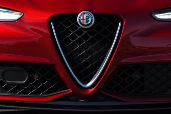 Minden Alfa Romeo elektromos lesz