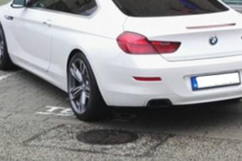 Tízpontos tahó parkolás a szegedi Tescónál