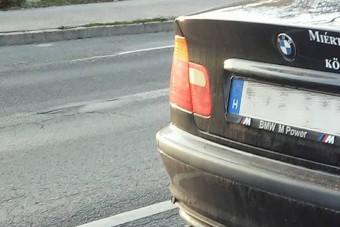 Saját autóján figurázza ki a BMW-s társadalmat egy hazai BMW-s
