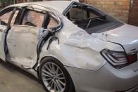 A törött Lamborghini alumíniumvázát is helyrepofozza az orosz szaki 1
