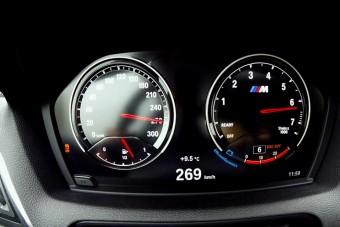 Így szalad 260 km/óra fölé az M2-es BMW