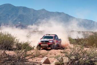 Négy magyarral rajtol a 40. Dakar