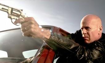 Bruce Willis akkor is eszetlen nagy király ha volán mögött ül
