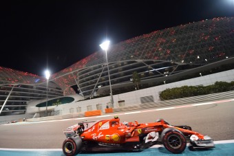 F1: A Mercedeshez szivárognak a Ferrari titkai