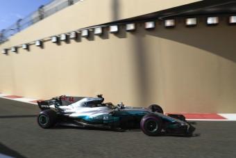 F1: Hamilton az élen, idegen tárgy a pályán - videó