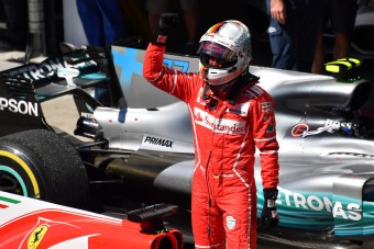 F1: Vettel győzött, Hamilton 16 helyet javított