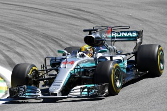 F1: Hamilton mintha gokartozott volna