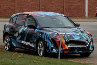 Összkerékhajtással, sportos futóművel jön a vadonatúj Ford Focus