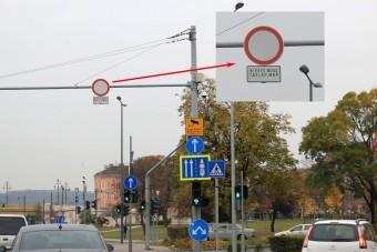 Zűrös közlekedési táblák Budapesten