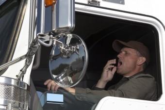 Életmentő sapka kamionosoknak