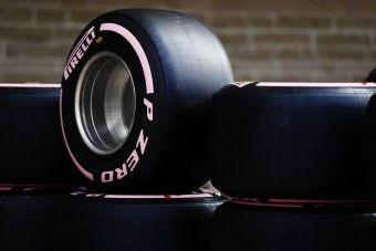 Mega-, extrém, hiper-? Kereszteld el az új F1-gumit! - videó