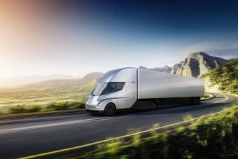 Megérkezett a Tesla elektromos nyerges vontatója