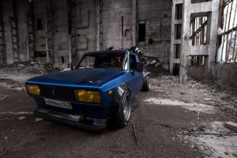 Ez a platós Lada bármelyik műhelyben elférne futkosó autónak