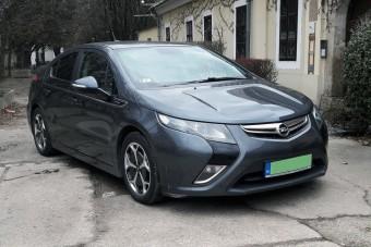 Használt autó, zöld rendszámmal: ki jár jól vele?