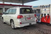Az ország, ahol valóban 100 Ft a benzin 9
