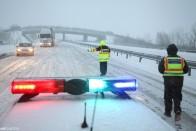 Ha eddig nem tudtad, hogyan közlekedj télen autópályán, a magyar rendőrség most segít 2