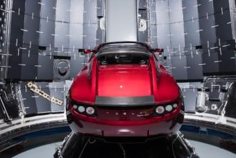 A Tesla mindenható ura tényleg autót küld az űrbe