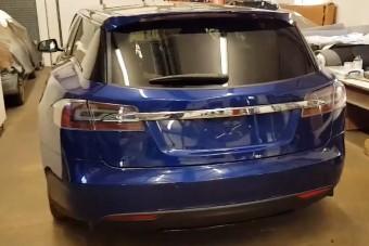 Formát öltött a kutyaszállító, puttonyos Tesla Model S