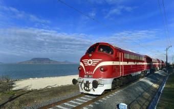 Vonatünnep volt Tapolcán, ismét összegyűltek a hazai Nohab mozdonyok