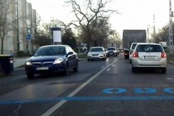 Kiderült, hogy mik ezek a nagy kék számok Budapest útjain