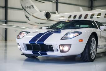 Ha 10 éves Ford GT-re vágysz, akkor itt egy friss példány