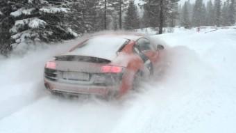 30 centi hó meg se kottyan egy Audi R8-nak