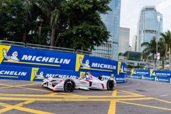 F1: Ellenfele akadt a Pirellinek?