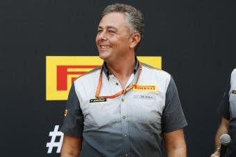 Koronavírusos betegeket szállít az F1-es gumifőnök