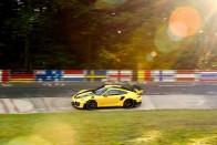 Na, mi döntötte meg a SUV-rekordot a Nürburgringen? Egy Mercedes! 1