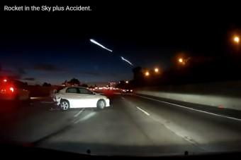 Elon Musk rakétája máris három autóval végzett