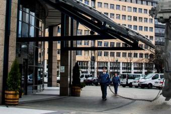 A magyar rendőrség posztolt egy képet a Twitterre, mi pedig ledobtuk az ékszíjat