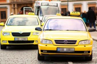 Kinyírták az öreg taxikat, januártól 10 év a korhatár