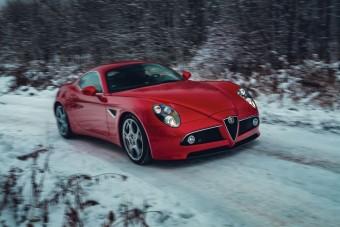 Ha unod a Ferrarit, akkor nézd meg ezt az Alfa 8C-t!