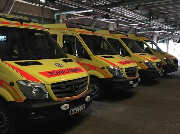 117 új autót kapnak a mentők