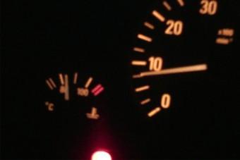 Te melegíted a motort indulás előtt? Van, ahol büntet érte a rendőr