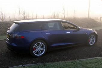 Kombiként mutat igazán jól a Tesla Model S!