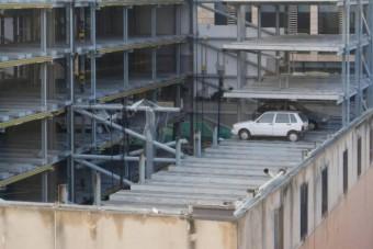 Szellemautókat találtak egy 15 éve bezárt parkolóházban