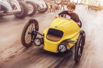Vegyél villanyautót a gyereknek!