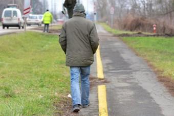 Kabaréba illő járda a szegedi gyalogosoknak, akarom mondani kötéltáncosoknak