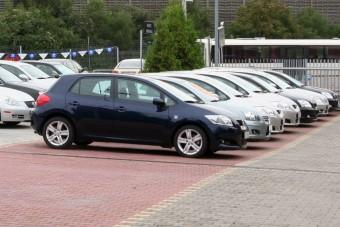 Használt autó: Honda Civic vagy Toyota Auris?