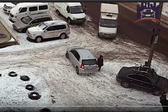 Tolatásból lett horror egy orosz parkolóban