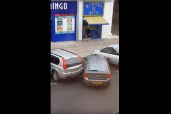 Ezt a borzasztó parkolást még nézni is fáj