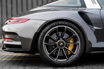 Bármi lehetséges: itt a nem létező Porsche