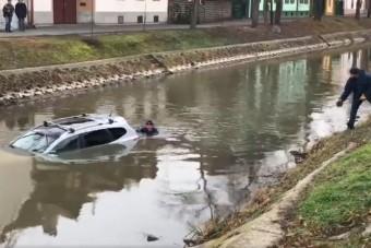 Semmi kétség, eddig ez 2018 legszerencsétlenebb magyar parkolása